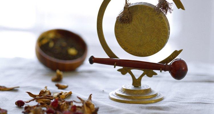 Un gong refuerza la práctica de la meditación.