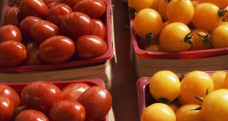 Los tomates pueden ser de varias formas y colores.