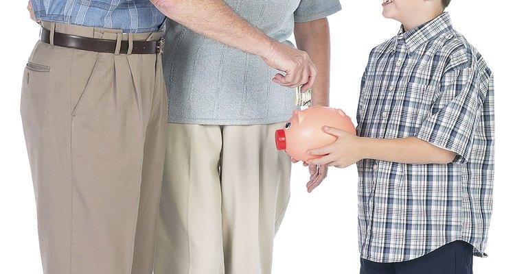 Empieza la conversación agradeciéndole a los abuelos por acceder a cuidar a los niños antes de establecer cualquier regla.
