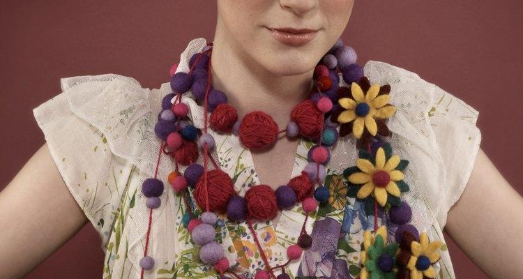 A tradicional coroa trançada pode alongar um rosto redondo