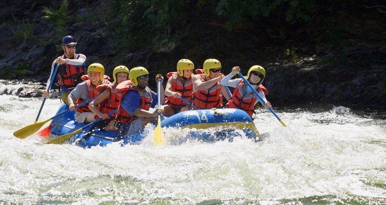 Los campistas pueden realizar excursiones guiadas de aguas bravas en el Snake River.