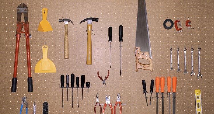 Aprende a hacer una caja para guardar tus herramientas.