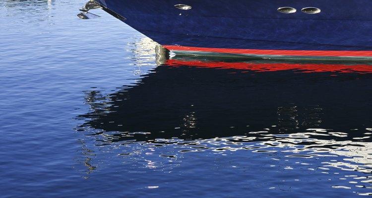 Economize dinheiro consertando o seu barco