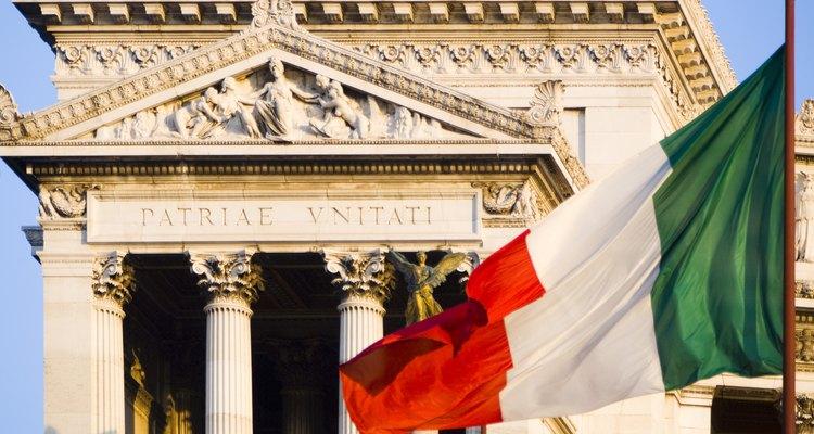 Italia tiene grandes depósitos de feldespato y mármol.