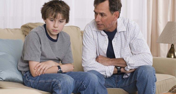 Converse com os seus filhos sobre os problemas sociais que os afetam na escola