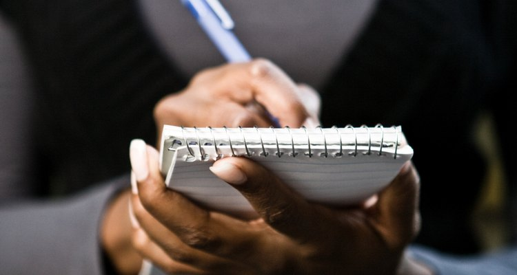 Use um tom educado, porém afirmativo, ao escrever uma carta de reclamação