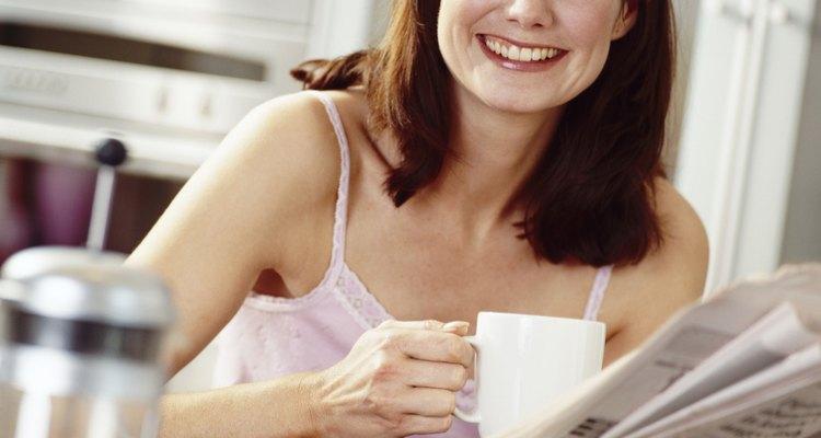 Faça uma xícara de café rápida usando o micro-ondas