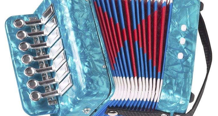Conserte os foles do seu acordeon com alguns passos