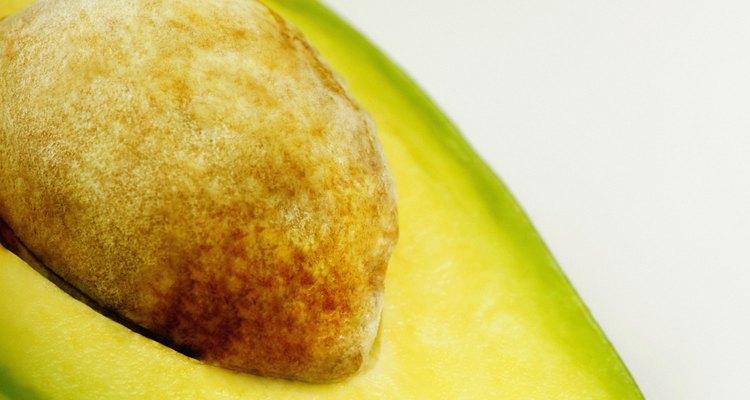 O abacate pode ser usado em uma dieta para tratar sintomas de IBS