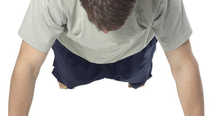 As flexões são um exercício de treinamento de força seguro e confiável para os adolescentes