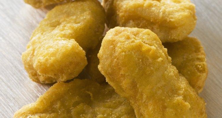 Os nuggets feitos em casa podem ser mais baratos e nutritivos do que os de supermercado