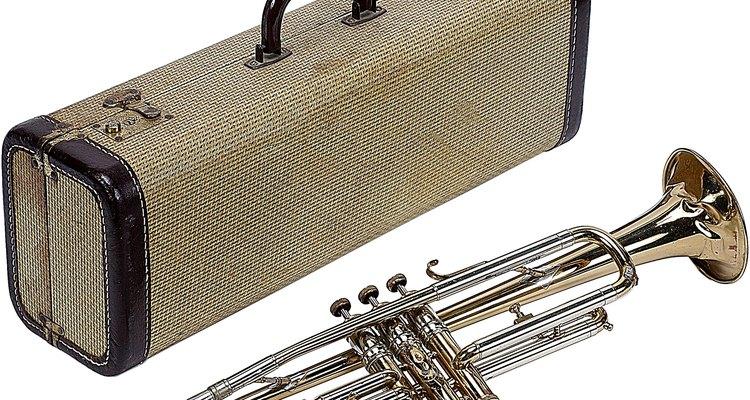 Trompetes variam de modelos básicos de estudante a instrumentos profissionais de apresentações