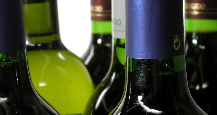 Calcula el porcentaje de alcohol en el vino con un hidrómetro.