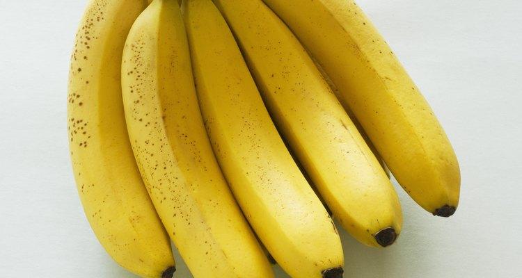 Usa bananas que tengan muchas manchas marrones en ellas.