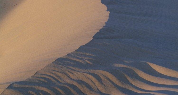 Las dunas de arena extienden a lo largo del área Mesquite Flats de Death Valley.