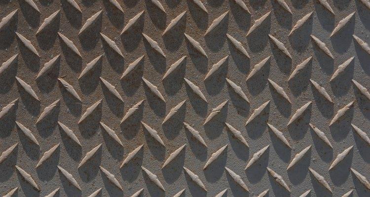 La piedra caliza ayuda en la fabricación del acero.