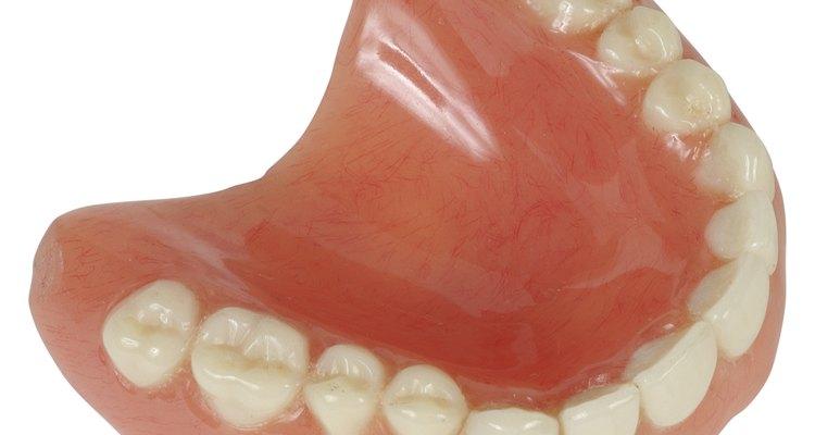 Impressões em alginato são uma etapa importante em diversos procedimentos dentais
