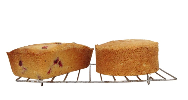 Take a  few simple tips to prevent cherries from falling to the bottom of cakes.