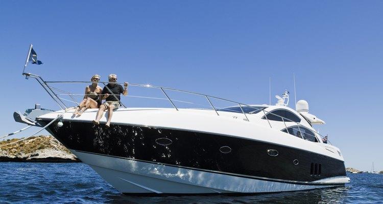 O nomes de barcos e o tipo de letra refletem seu estilo pessoal ou sua paixão por velejar