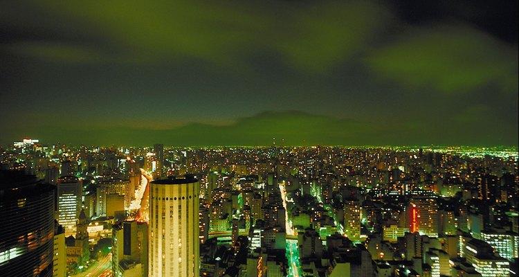A Sociologia urbana estuda a interação humana e da vida social em áreas metropolitanas