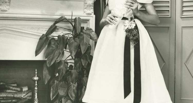 Black and white were popular colours to wear together in the 1950s.
