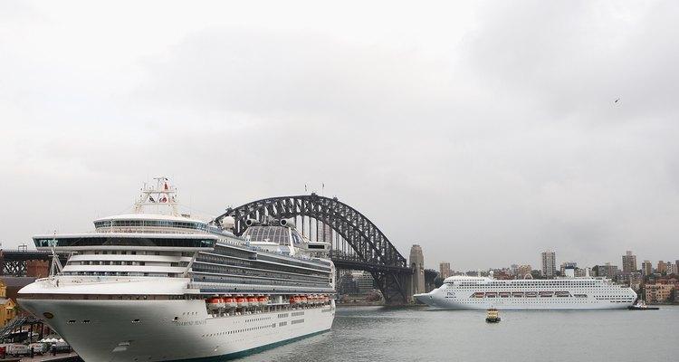 Navios de cruzeiros no porto de Sidney