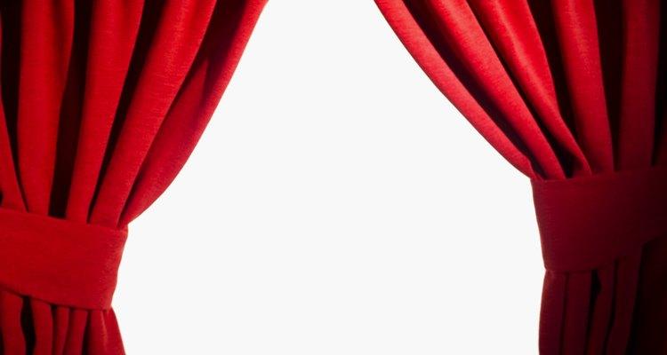 Prendedores de cortinas podem ser de diversos materiais e cores, conforme o seu gosto