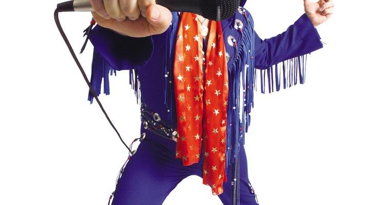 Nadie representa esta fusión de sonidos más que Elvis Presley.