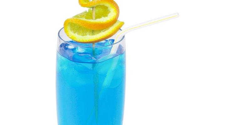 Incluye jugos azules para crear bebidas atrayentes y deliciosas.