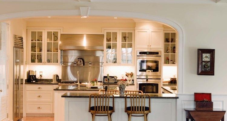 Si los bloques de granito son pequeños, algunas veces se usarán varios en diferentes zonas de la cocina.