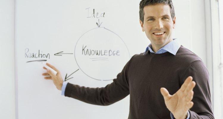 Saber escuchar y comunicarse es una habilidad indispensable de un buen coordinador de trabajo.