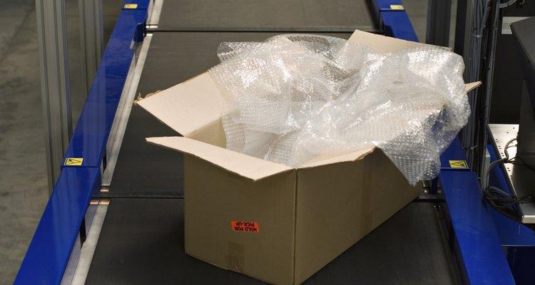 El plástico es un material de embalaje.