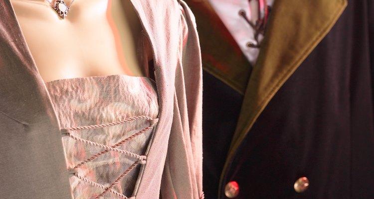 Hay chaquetas con forro y cuellos de un color diferente al exterior.