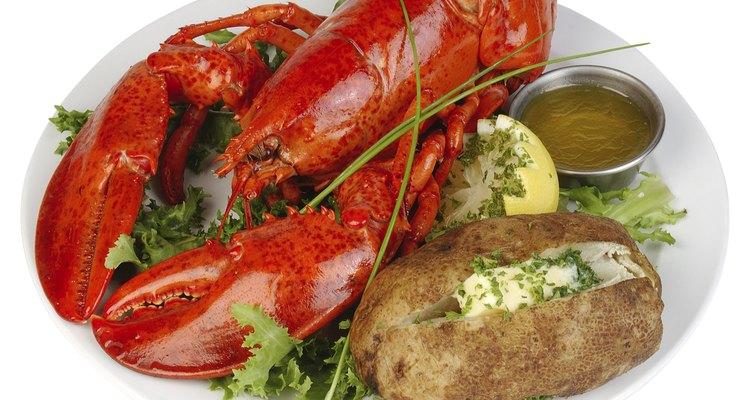 Leia, a seguir, que acompanhamentos servir com lagosta e como prepará-los