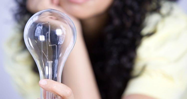La forma de propiedad más importante en este nuevo mundo son los productos intelectuales y creativos de la mente humana.