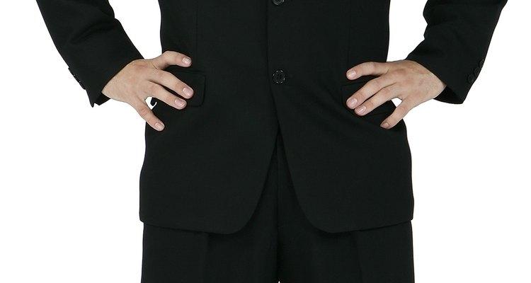 Los trajes de tes botones son elegantes e ideales para trabajar y muchas otras ocasiones.