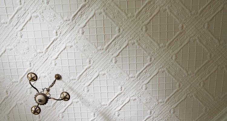 Pinte o forro já texturizado para dar um visual fresco à sua casa