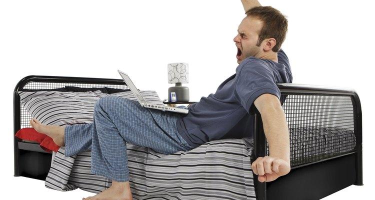 Se a sua cama for mais baixa do que as camas normais e você quiser deixá-la mais alta, basta seguir alguns desses truques