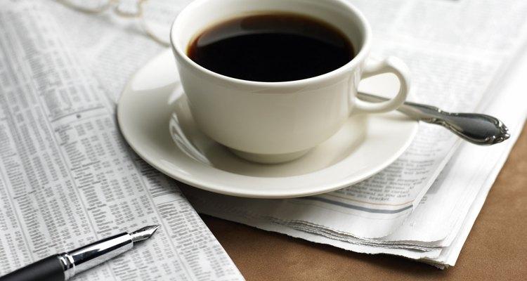 O café é uma bebida cafeinada muito apreciada no Brasil