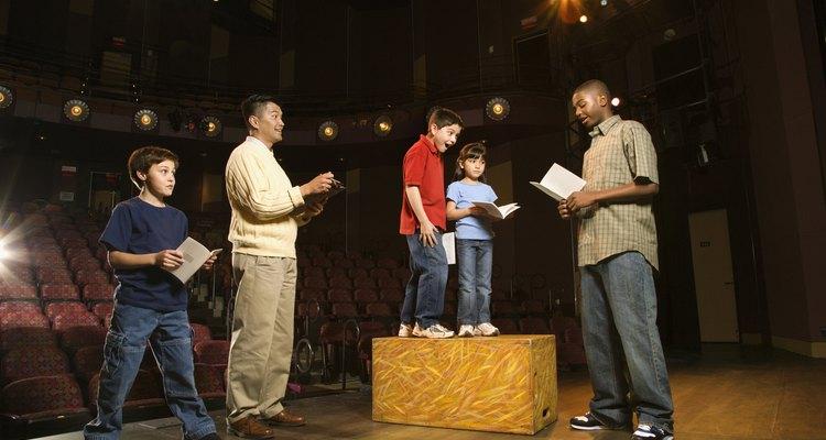 Aprenda sobre a diferença entre comédia e drama.