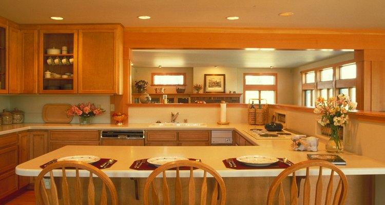 Las barras para el desayunador se pueden construir o añadir.
