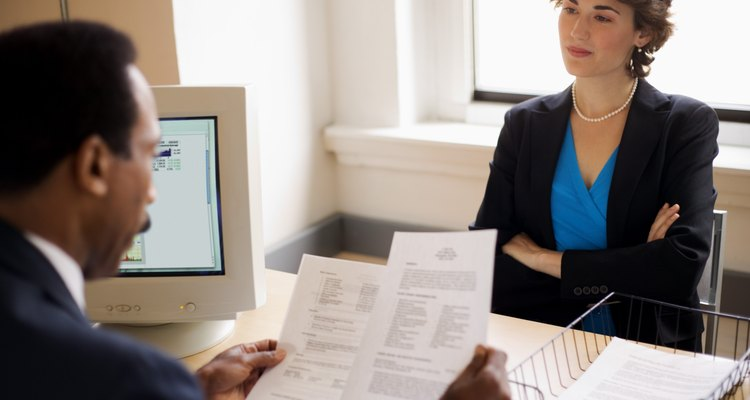 Para conseguir trabajo como maestro deberás hacer tu currículum vitae.