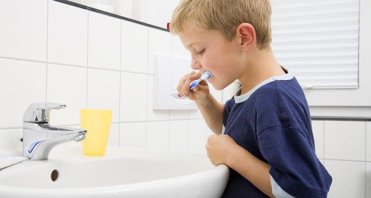Los preescolares aprenden cómo comenzar a cuidar de sí mismos.
