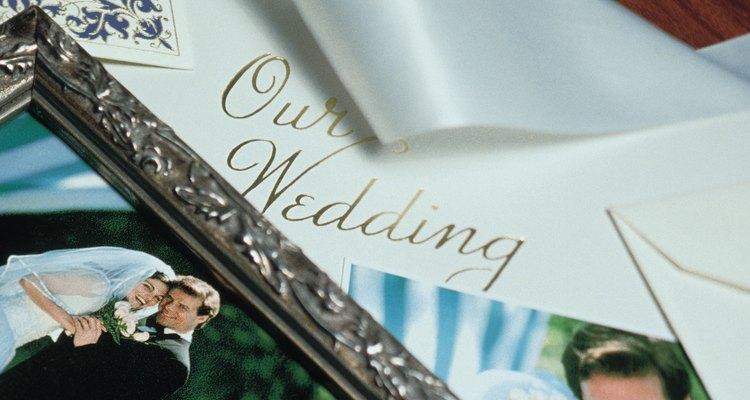 O título certo adiciona um toque pessoal ao álbum de fotos do casamento