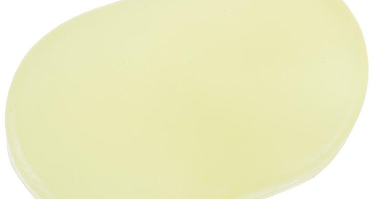 Sabonetes variam em tons de branco a castanho, dependendo dos óleos usados