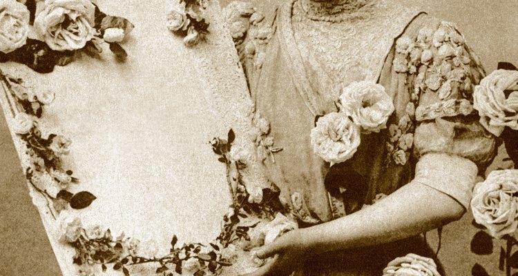 Las mujeres victorianas ricas pasaban sus días haciendo arreglos florales o creando decoraciones domésticas.