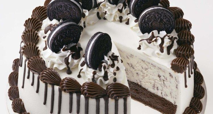 Congela el pastel de nuevo por una hora.