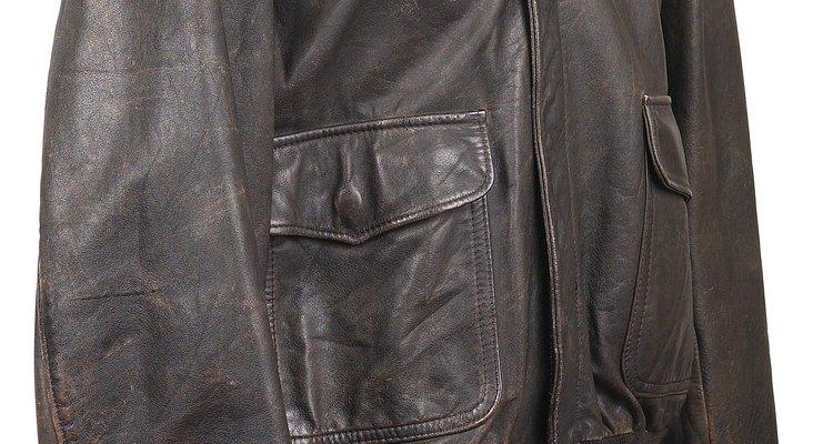 Elimire odores desagradáveis da sua jaqueta de couro preferida