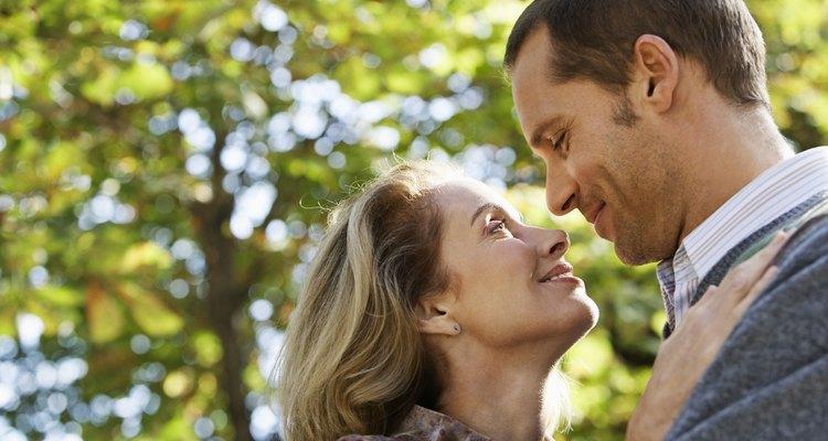 El primer aniversario de casados les dará una oportunidad de celebrar el amor entre los dos.