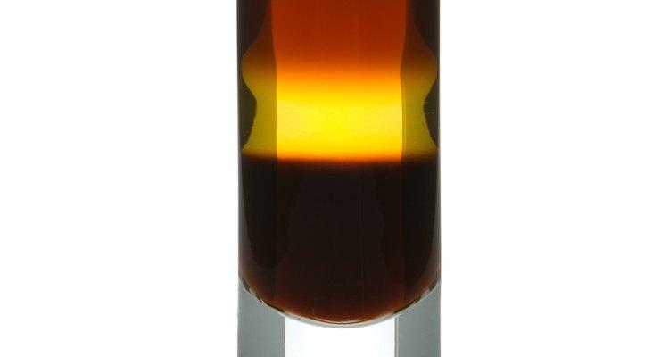 El trago que aparece aquí está formado por capas de ingredientes distintos.